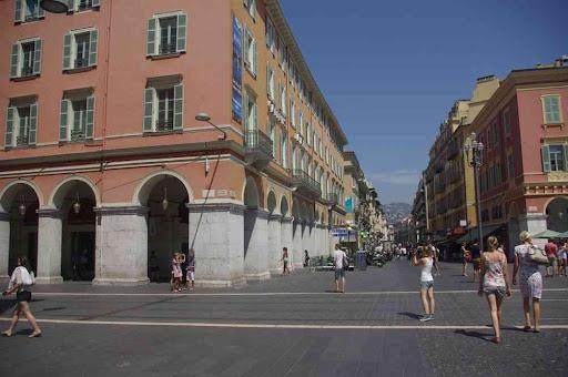 Nice (rue Gioffredo et place Masséna)