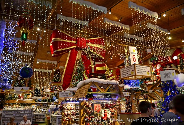 Christmas Store2