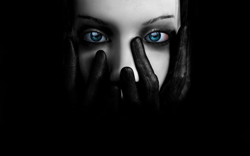 Silent Widow Being, Gothic Girls