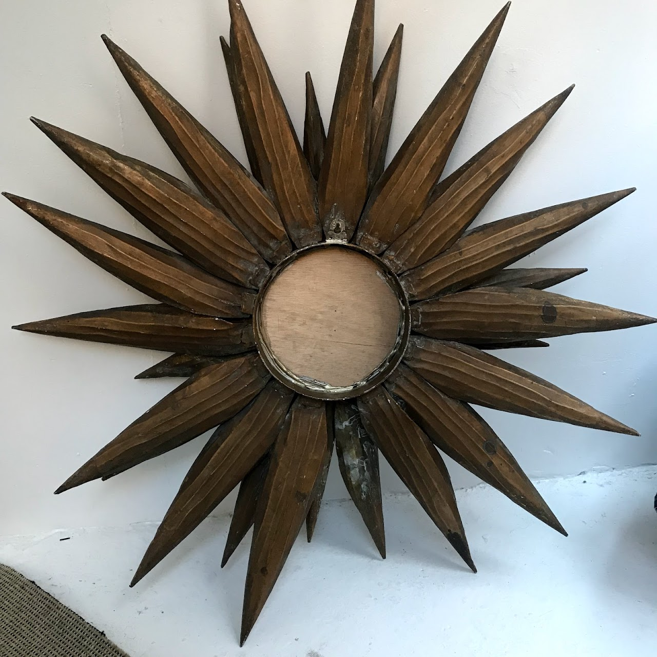 Mid-Century Modern Sunburst Mirror | auction.housingworks.org