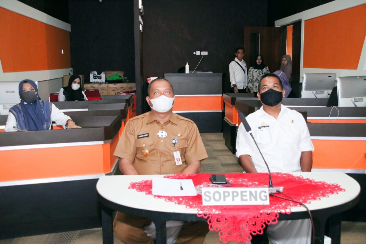 Pjs Bupati Soppeng Lakukan Aplikasi Zoom Meeting Bersama Presiden RI