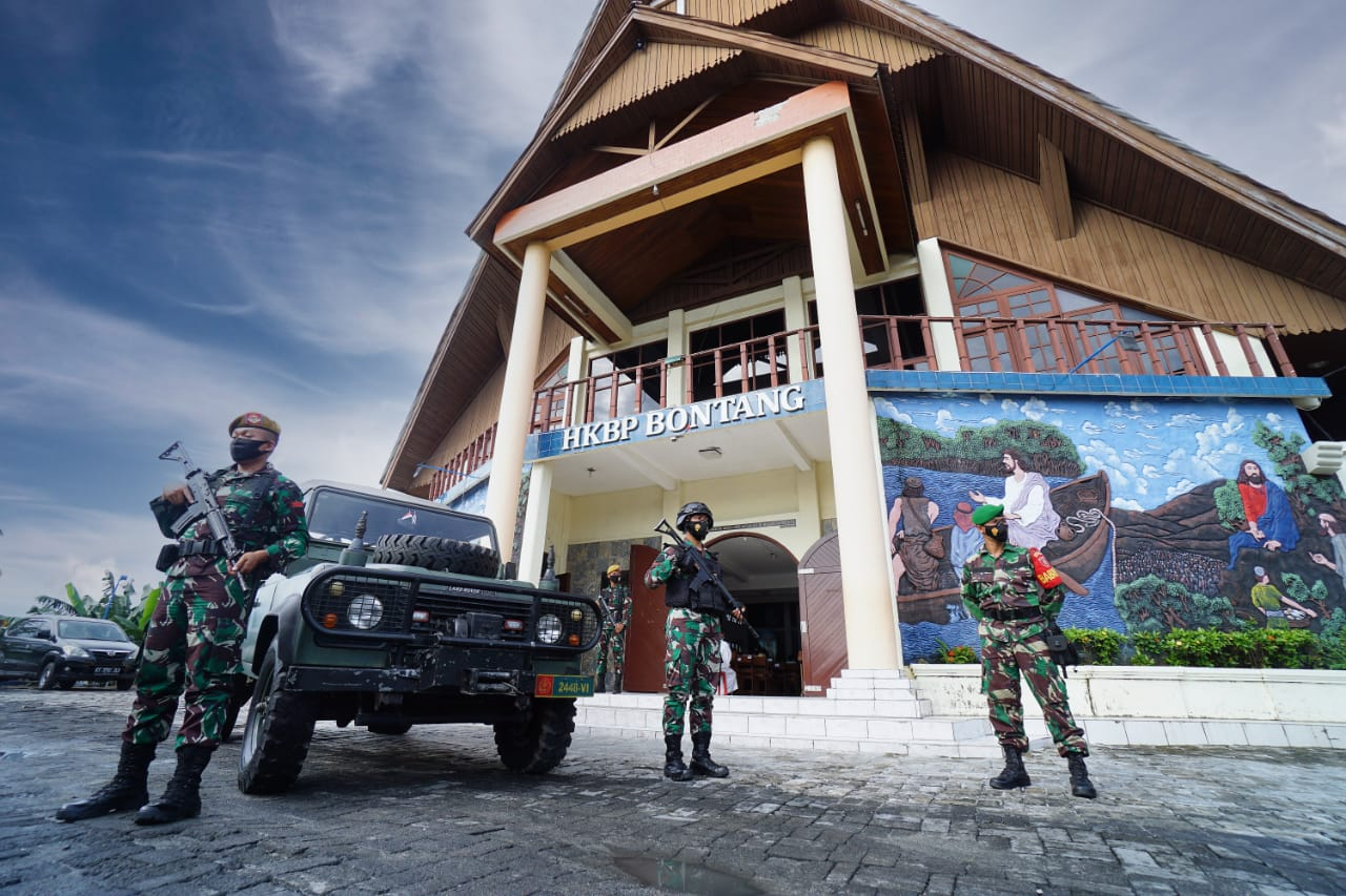 TNI-Polri Kawal Perayaan Paskah Umat Nasrani di Wilayah Kodim
