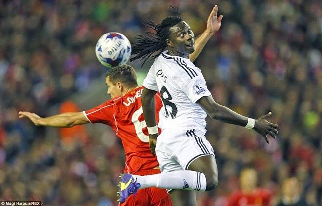 Balotelli gây sự đánh nhau khi Liverpool thắng ngược