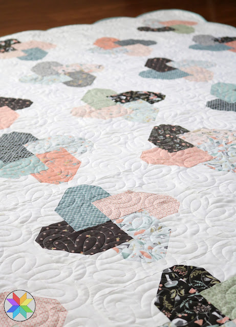 Winsome quilt pattern by Andy of A Bright Corner - a fat quarter quilt pattern and a unique pinwheel quilt block