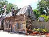 The oldest wood school house of the USA (© 2014 Bernd Neeser)