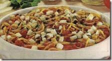 Spaghetti al sugo piccante con pane tostato
