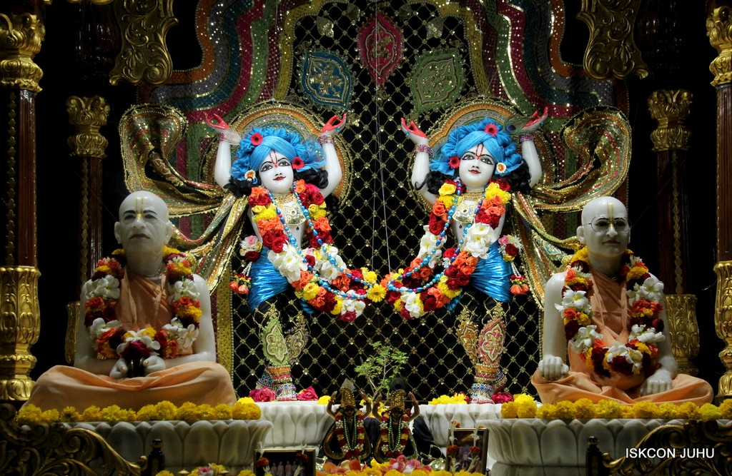 ISKCON Juhu Sringar Deity Darshan 09 April 2016 (36)