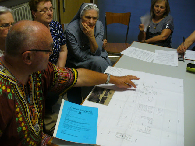 """P. Bruno Zamberlan illustra il Progetto """"Scuola Professionale ad Hwange"""" al Gruppo Missionario"""
