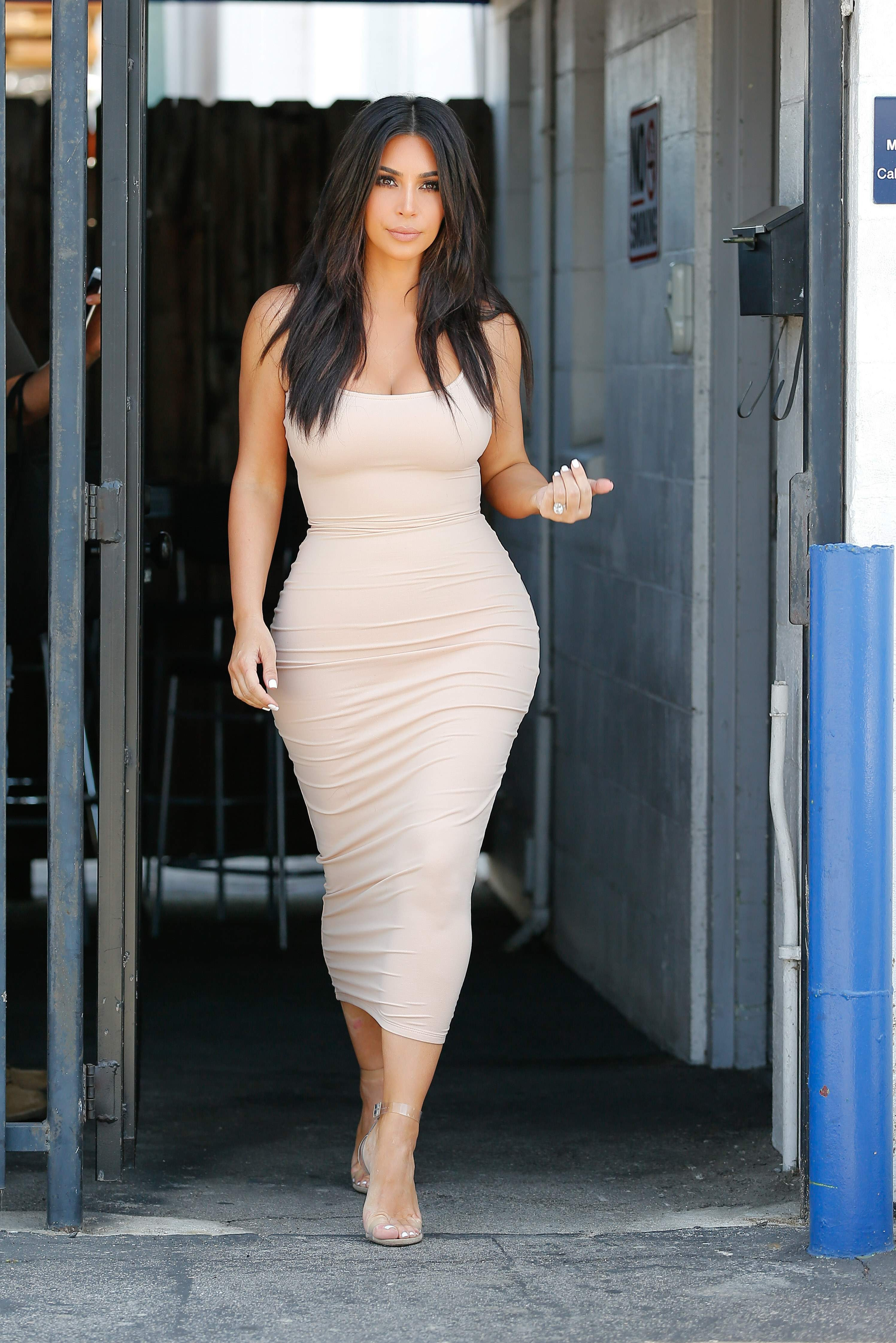 62a62ec8f675 Kim Kardashian leaving the studio in Van Nuys June 3-2016 047.jpg ...