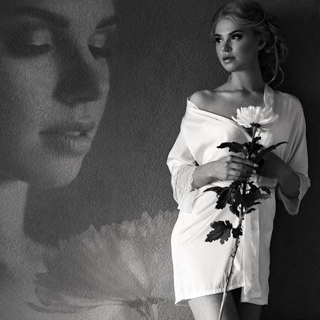 Wedding photographer Ekaterina Nosova (KatroNosova). Photo of 18.10.2017