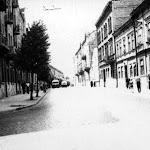 Тролейбуси на вул. Кірова (тепер вул. Шептицьких) 1961.jpg