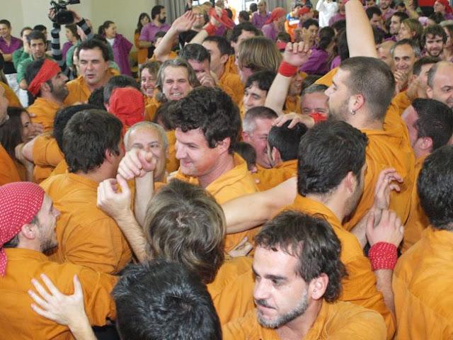 Diada Sagals dOsona 2011 01 - 100000832616908_735332.jpg