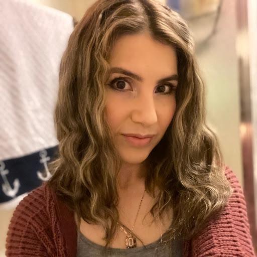 Elizabeth Quezada Photo 20