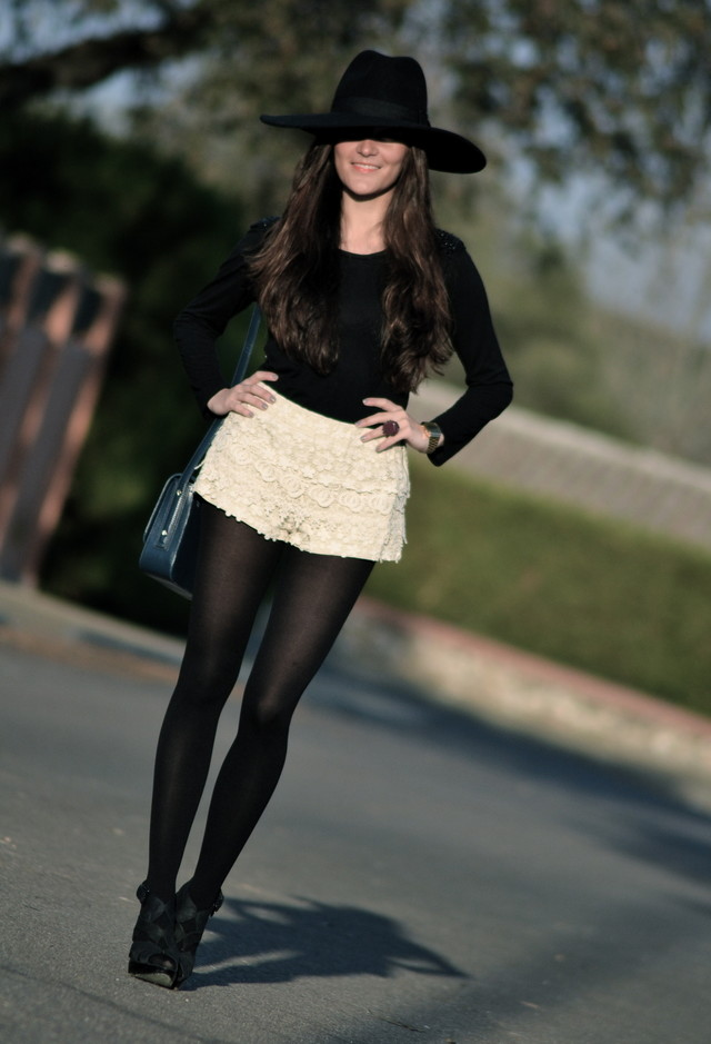 ADORABLE OUTFITS WITH LACE SHORTS_WAYS TO WEAR LACE SHORTS 4