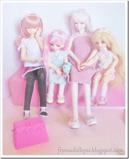 Now all the bjds are staring at the cute pink box a few inches away.  It came with the Lalaloopsy and would be perfect to store other things in, but who gets to keep it.