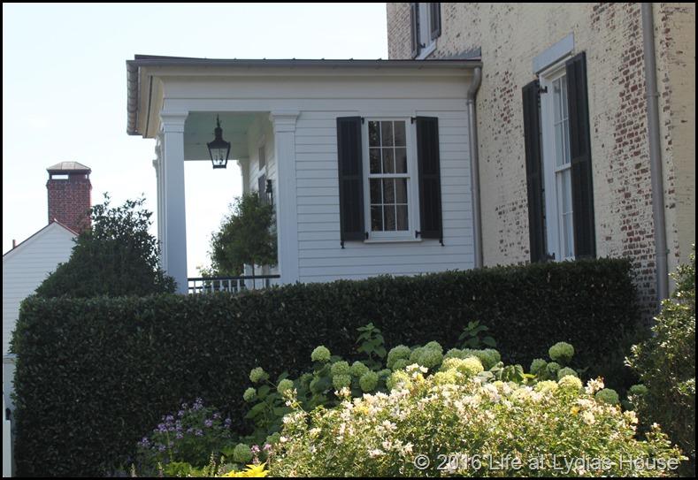 garden home exterior 3