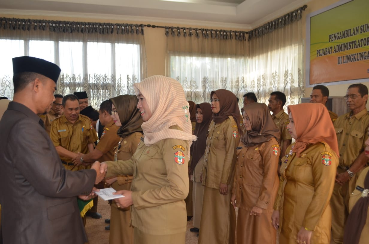 Pengambilan Sumpah Janji Jabatan dan Pelantikan Pejabat Administrator dan Pejabat Fungsional Kepala Sekolah digelar