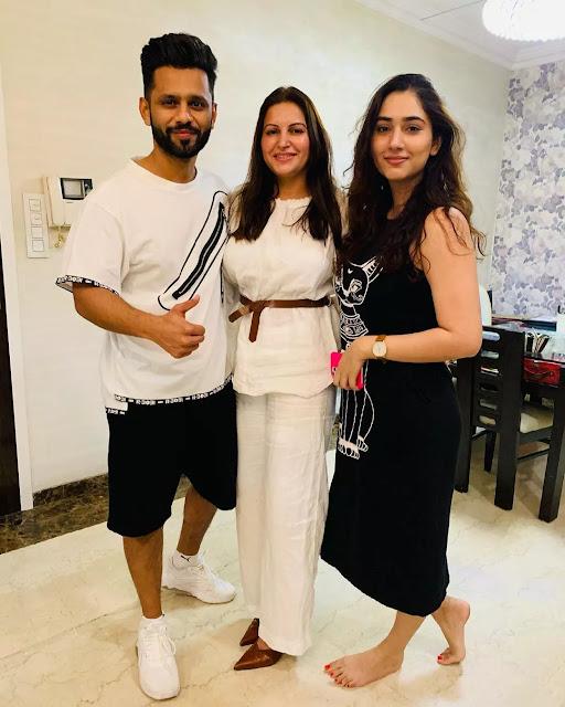 Sonali Phogat Family