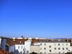 Nach der bisher drittkühlsten Augustnacht mit nur 12.7°C wird es heute seit langer Zeit wieder einmal ein richtig sonniger Tag und auch die Temperaturen steigen deutlich über die 20 Grad Marke. 23 Grad dürften es auf jeden Fall werden. #Wetter #Wien #Favoriten  #Wettervorschau  #Donnnerstag