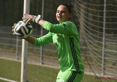 """Une très jeune gardienne du Standard a rejoint les Flames à Chypre : """"Une grosse surprise"""""""