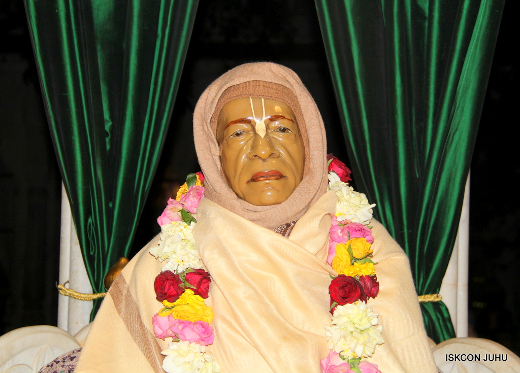 ISKCON Juhu Mangal Deity Darshan on 18th Jan 2017 (1)