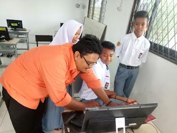 SMK Karawang Ini Terapkan Aplikasi Edmodo