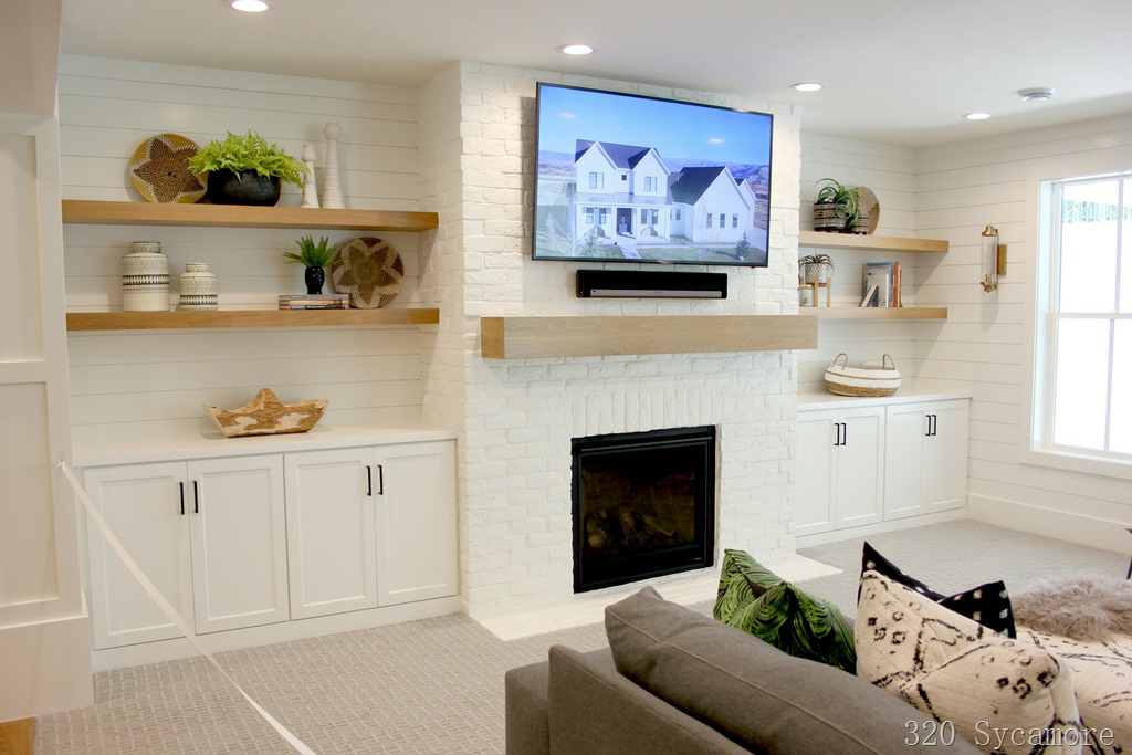 Painted Interior White Brick Wall With A Faux Panel 320 Sycamore