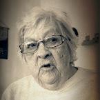 20120814-01-mother-singing.jpg