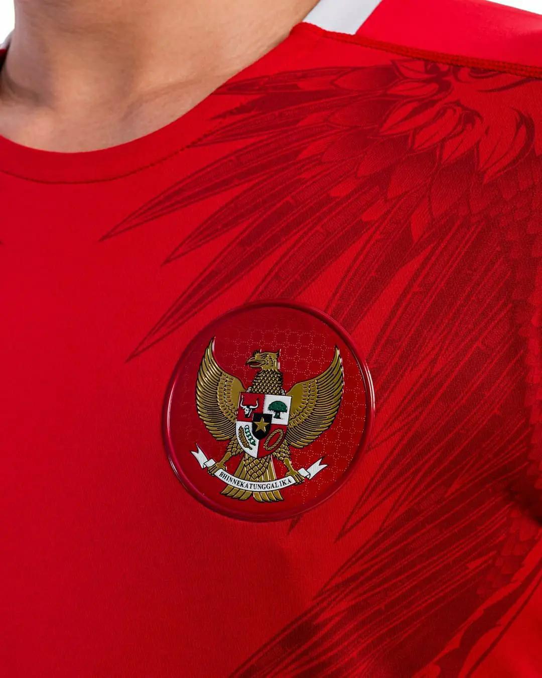 gambar foto Jersey timnas Indonesia 2020 x mills
