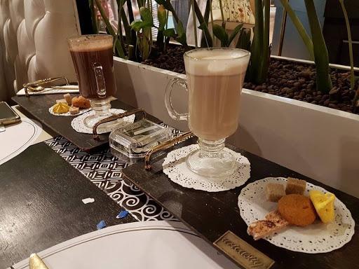 Hot chai latte and hot mocha from Arteastiq at Mandarin Gallery