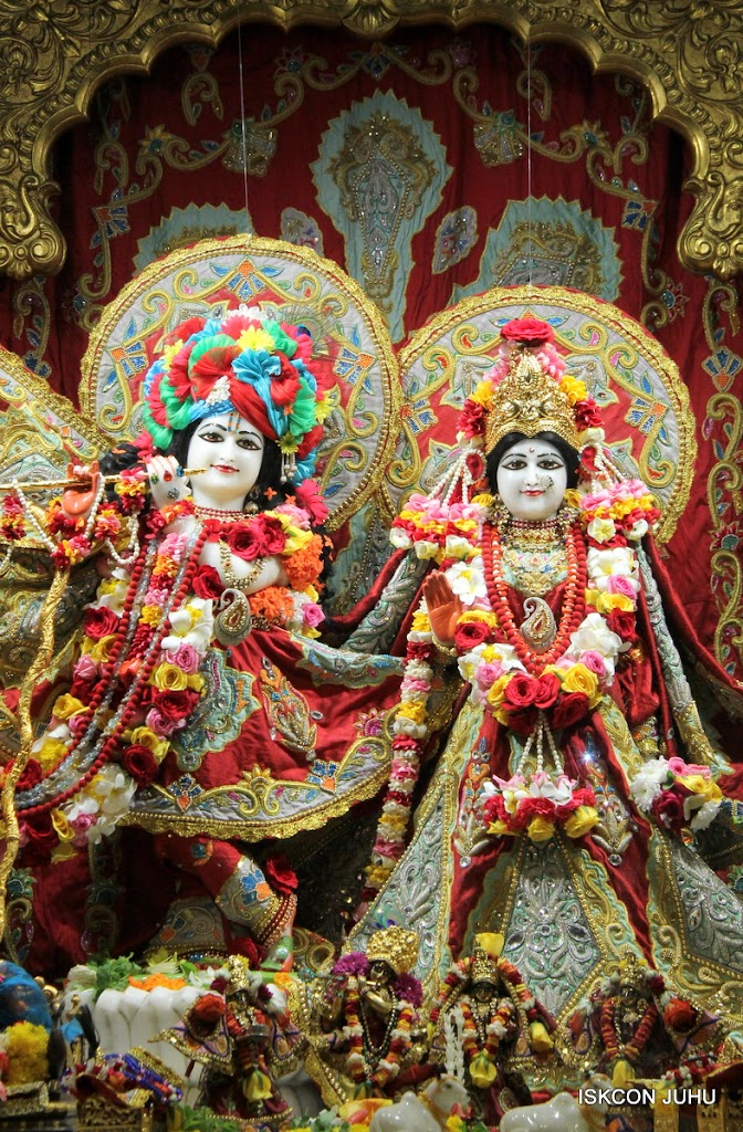 ISKCON Juhu Sringar Deity Darshan on 23rd Aug 2016 (6)