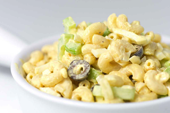 macaroni salad with egg