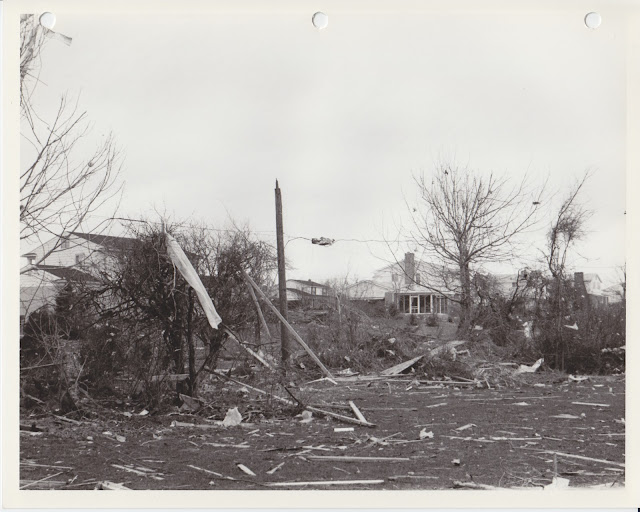 1976 Tornado photos collection - 50.tif