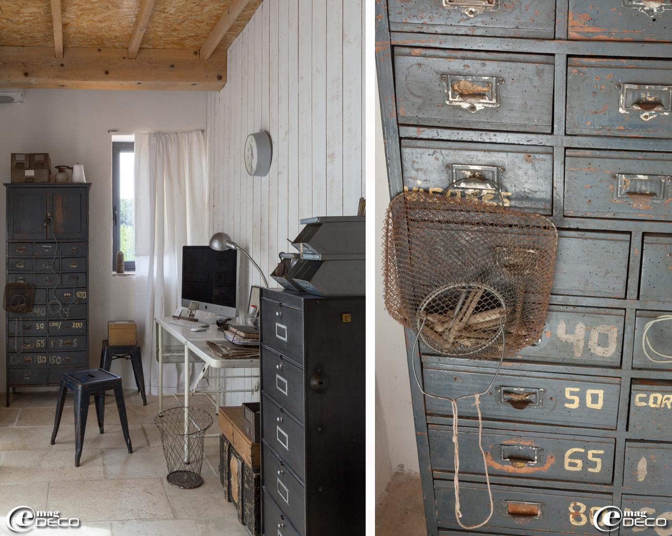 Table chirurgicale détournée en bureau, meuble à clapets 'Ronéo', casiers à bec 'Valentini', lampe d'atelier 'Jimo', e-boutique 'Esprit de Famille'
