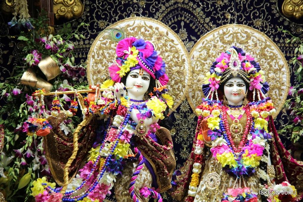 ISKCON Juhu Sringar Deity Darshan on 25th August 2016 (70)