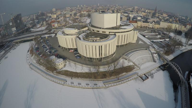 wynajem drona zdjęcia z lotu ptaka z drona Bydgoszcz zimą z lotu ptaka