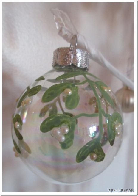 chalkOla painted christmas bauble