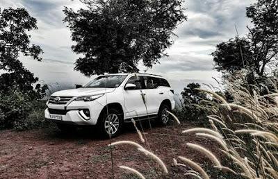 mobil Toyota Fortuner Facelift
