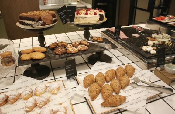 Esmorzar bufet Corner.JPG