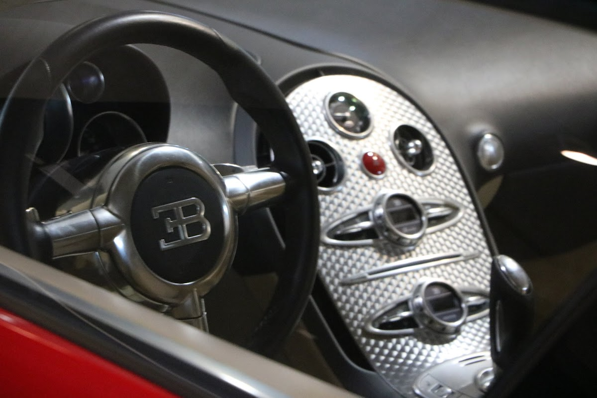 Jaguar_National_Rally_2018-04-14_0019 - Bugatti-Veyron.JPG