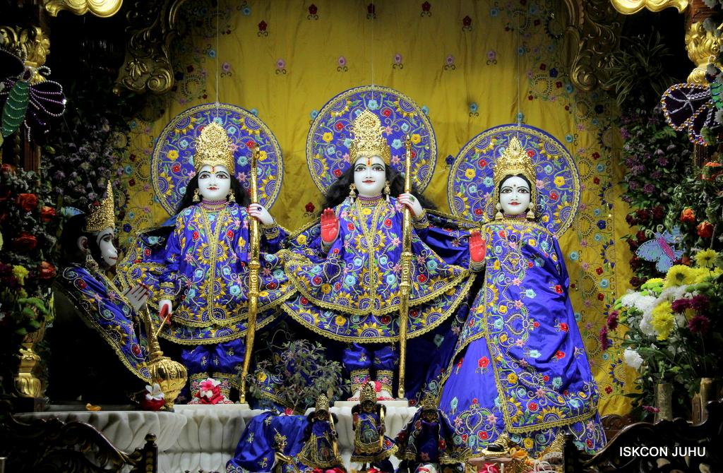ISKCON Juhu Mangal Deity Darshan on 17th Jan 2017 (2)