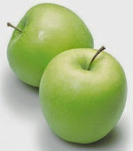 Takut nak makan epal.