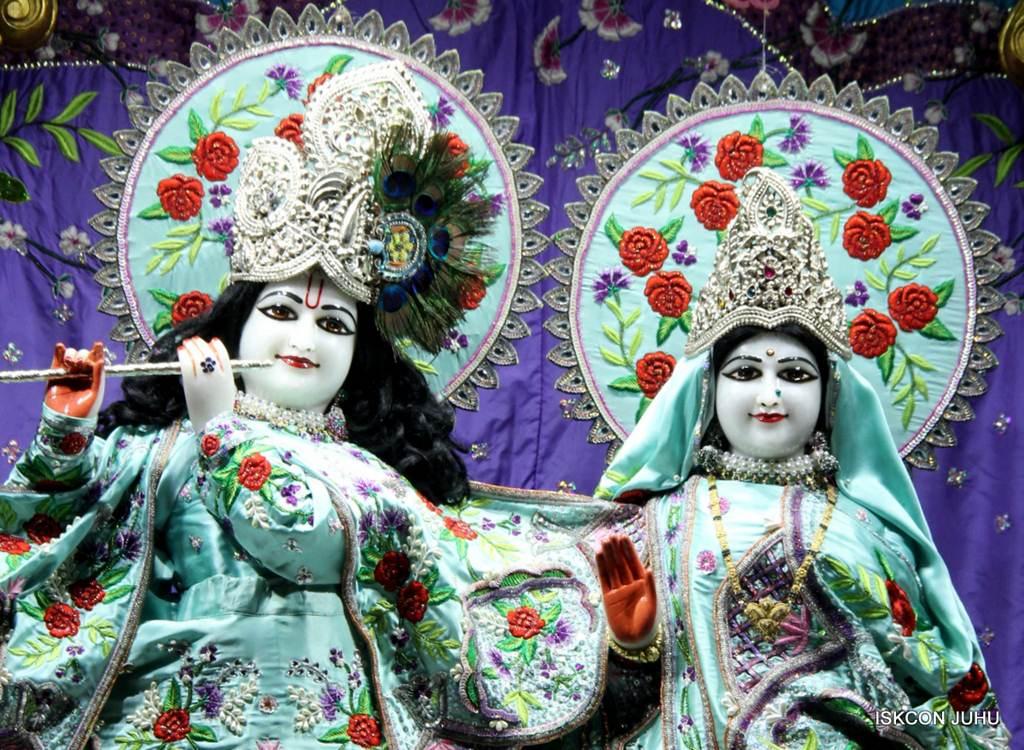 ISKCON Juhu Mangla Deity Darshan 17 Dec 2015 (19)