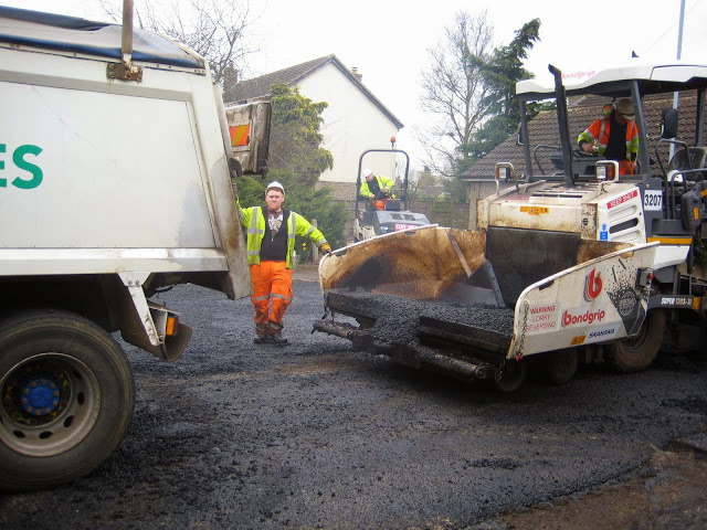 St Johns Close Resurfacing 23-03-2015. Pictures by Chris Cannon - IMG_1087.JPG