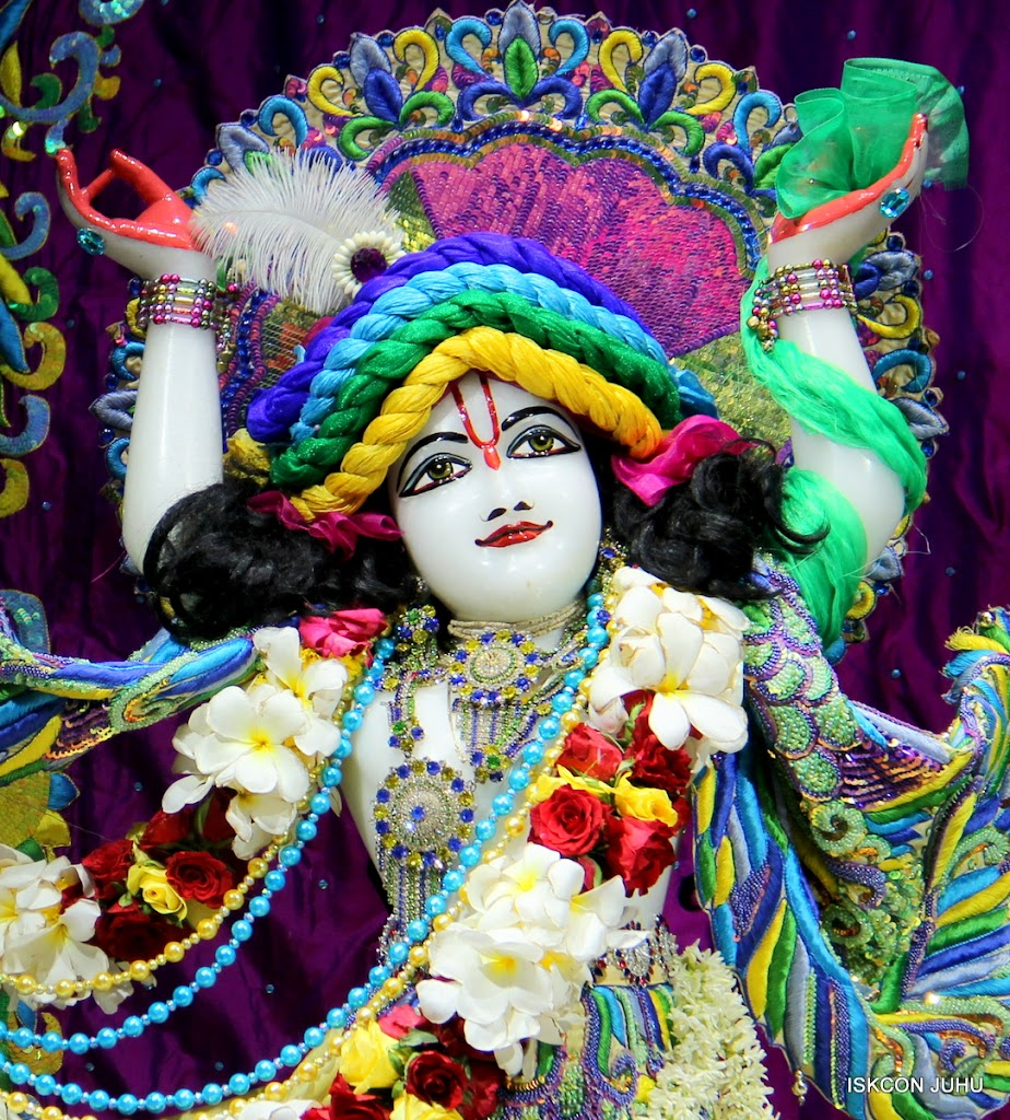 ISKCON Juhu Sringar Deity Darshan on 28th April 2016 (44)