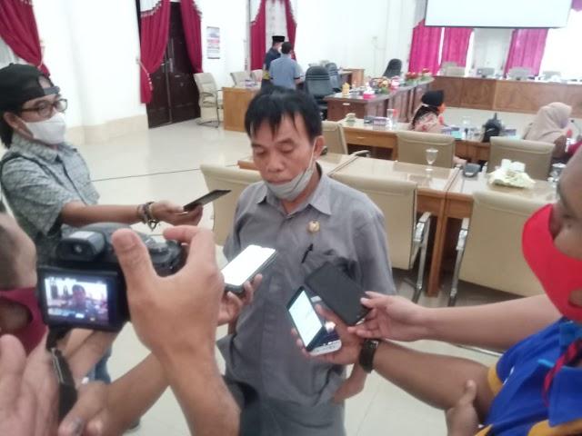 DPRD Barsel Minta Eksekutif Persiapkan Bapemperda Selengkapnya