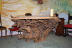 l'altare ricavato da una radice d'albero