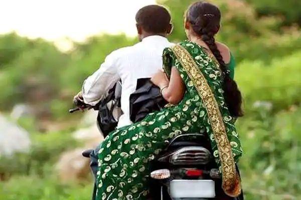 बिहार में बाइक पर एक अन्य के साथ ऑफिस जा सकती है महिलाएं, जारी हुआ आदेश