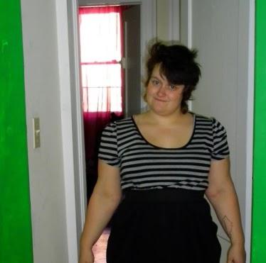 Emily Aaron Photo 10