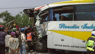 Kecelakaan Beruntun, Empat Korban Luka Parah